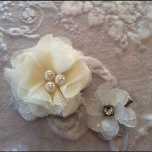 Floral Hair Accessory Clips Cream White